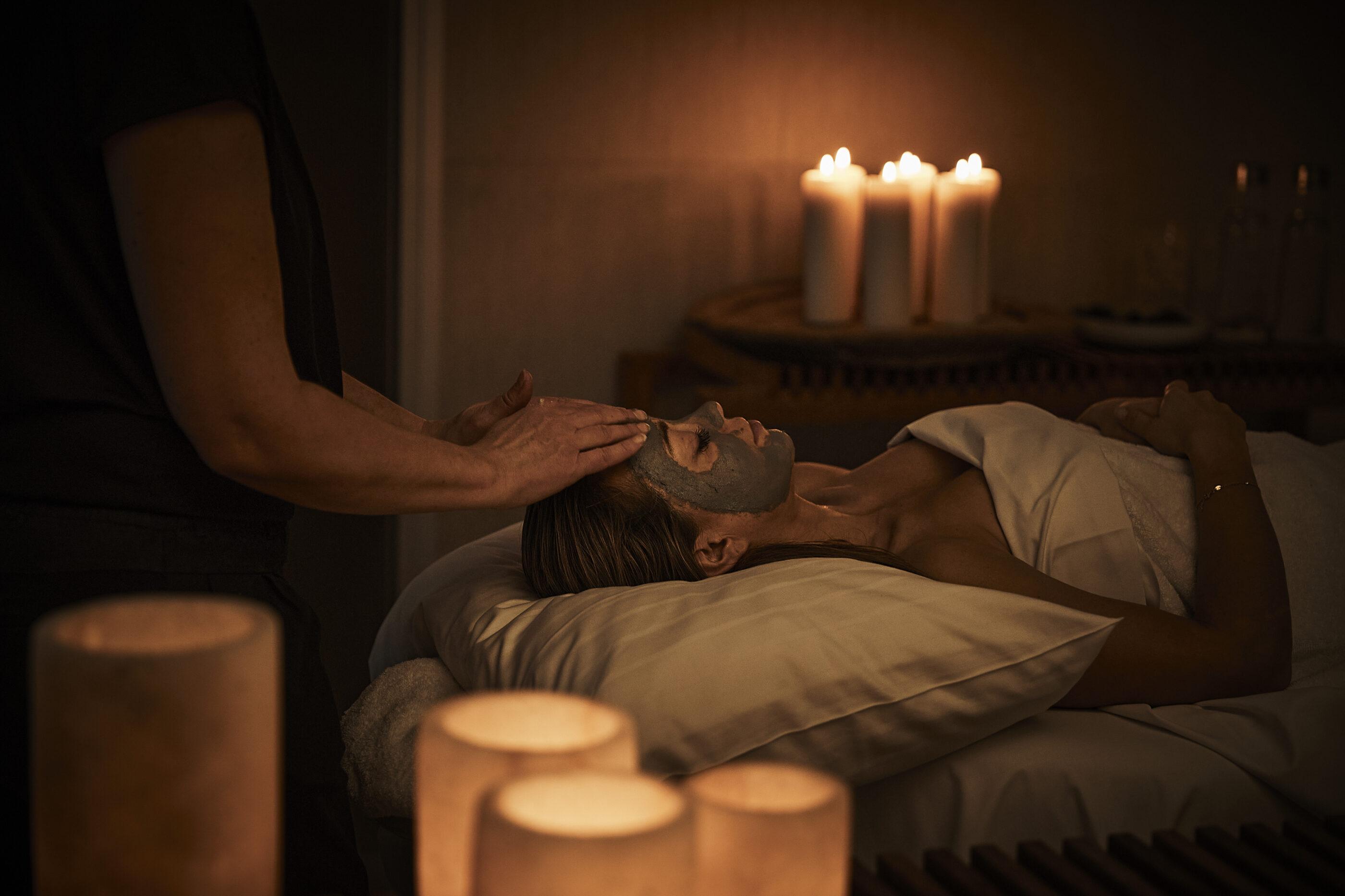 Ansigtsbehandling i Kokkedal Slots spa